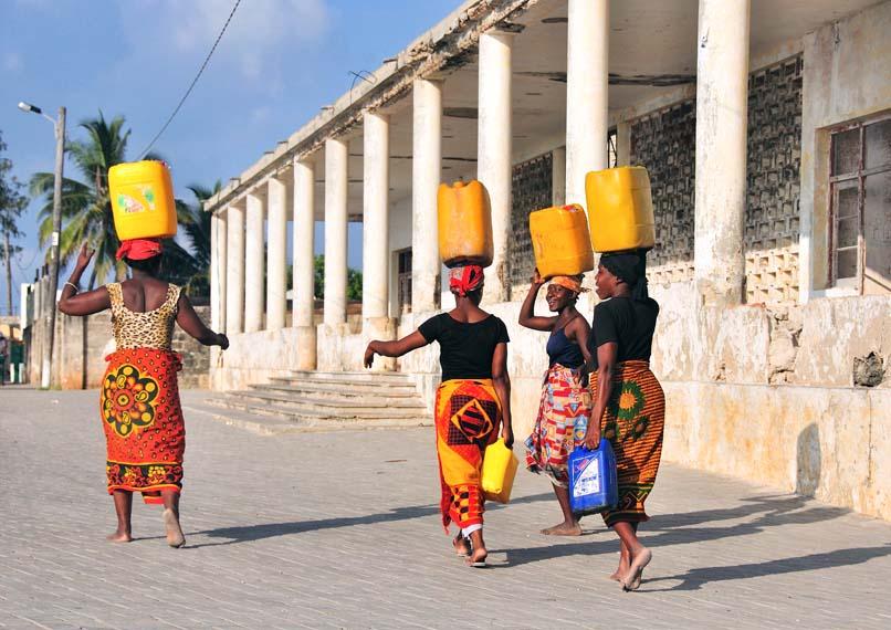 random-mozambique-29